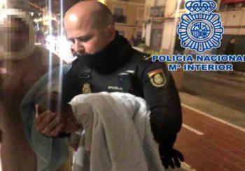 Polizia di Valencia salva neonato da arresto cardiaco con rcp