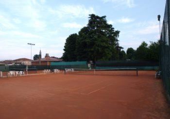 Defibrllatore salvavita sui campi da tennis-campi-da-tennis